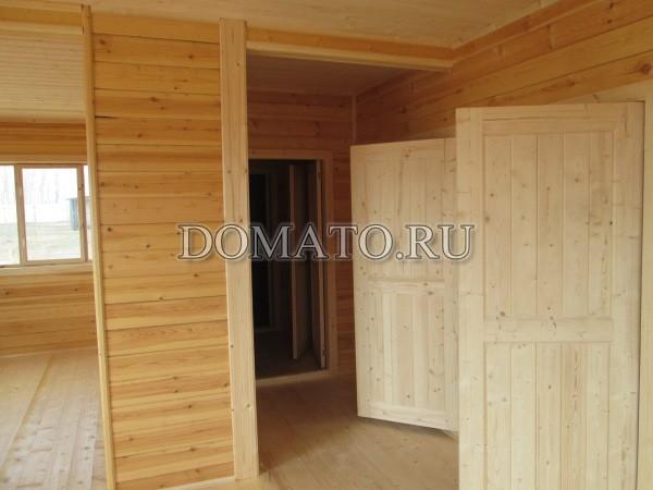 Двери филенчатые в доме